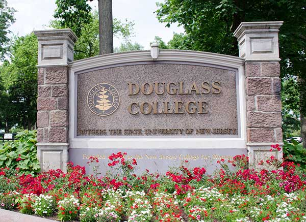 Douglas College Campus Sign